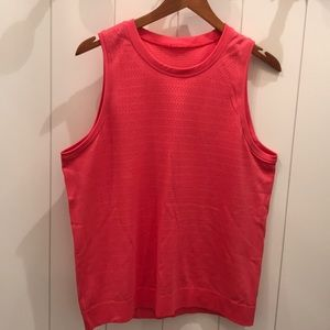 Great Lululemon Coral Tank!  Excellent Condition!!